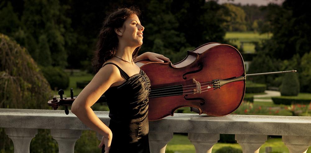Cellist Vita Peterlin & Cello